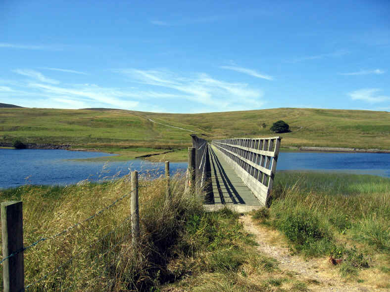 Footbridge over narrow section of LLyn Alwen