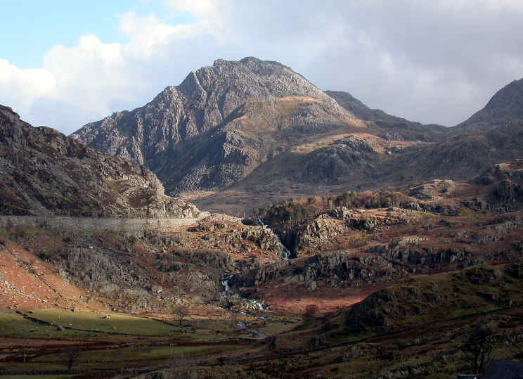 Photo of Nant Ffrancon Tryfan with A5