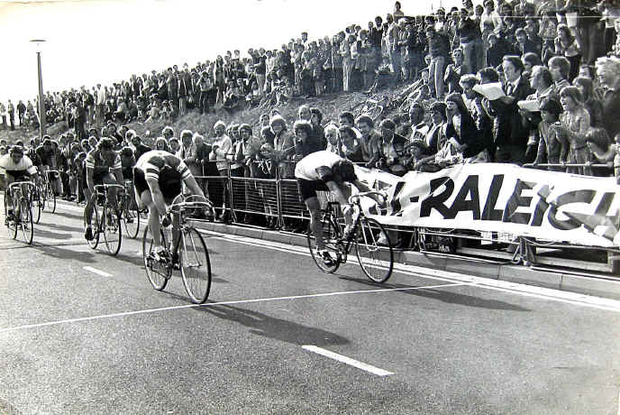 Prestatyn Criterium 1977: leaders racing